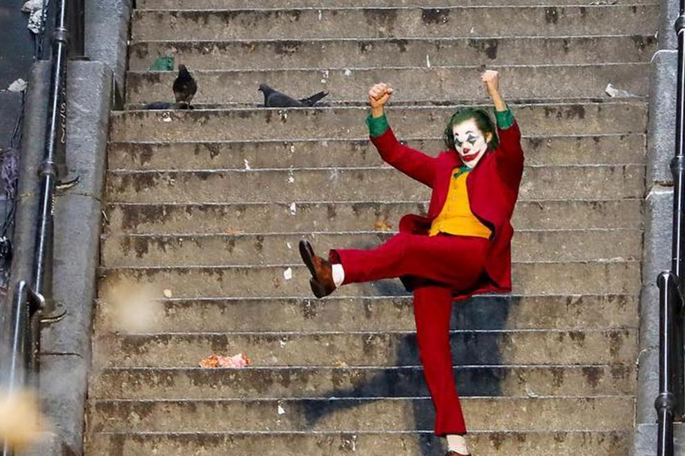 Should tourists be charged a fee to visit the 'Joker' stairs?