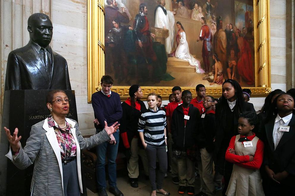 Should schools be required to teach a black history class?