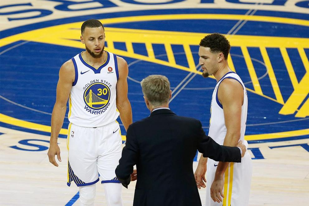 Which Warriors sharpshooter would win a three-point contest: Stephen Curry or Klay Thompson?