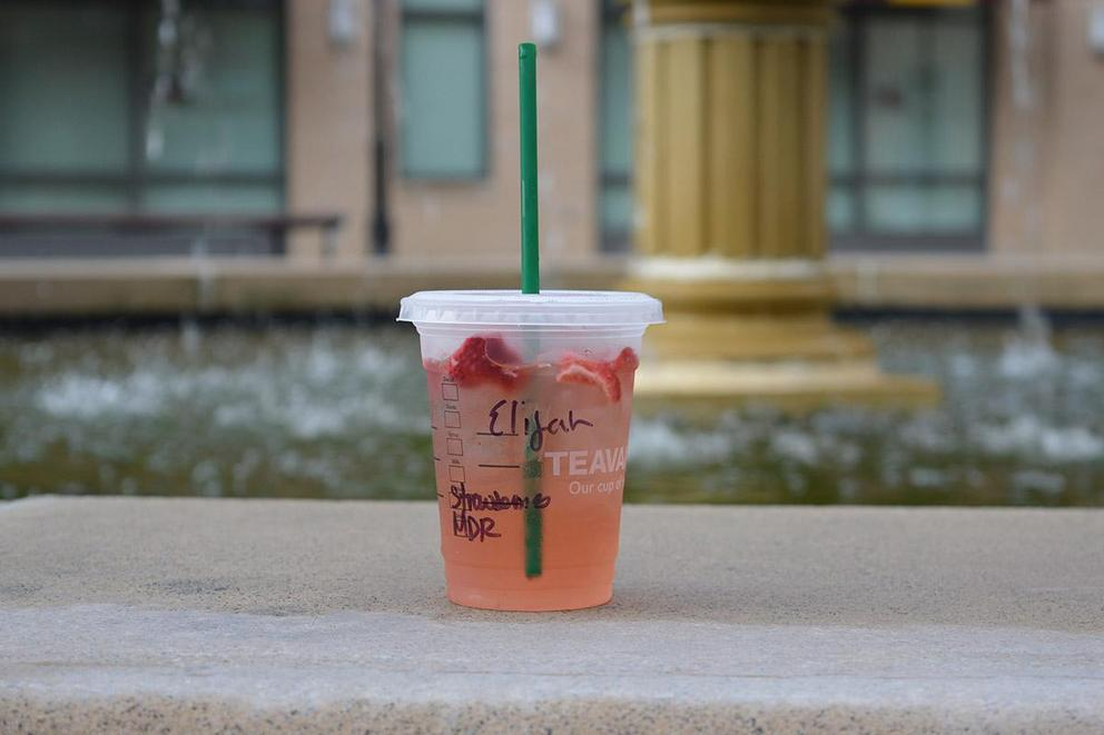 Best non-coffee Starbucks drink: Starbucks Refreshers or iced tea?