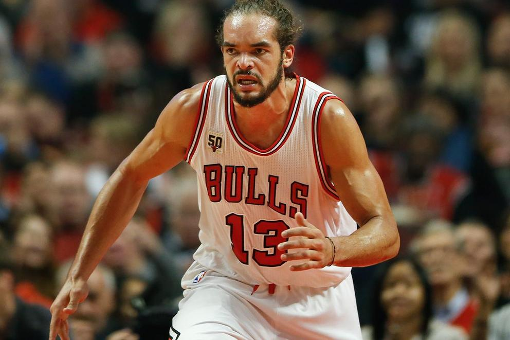 Joakim Noah reportedly told teammates he's leaving the Bulls. Should he stay?