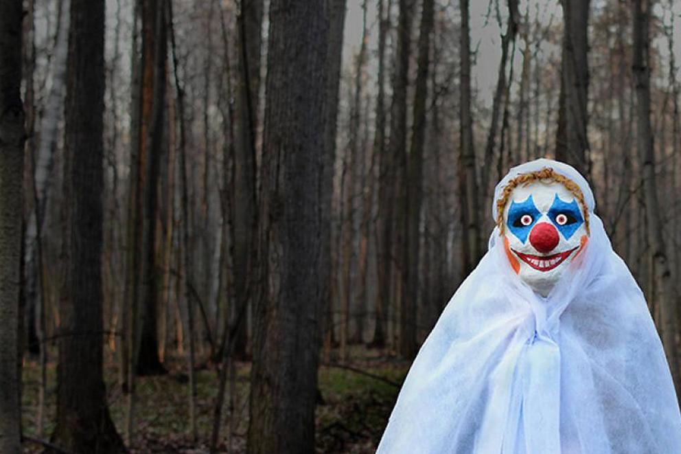Should we ban clown costumes?