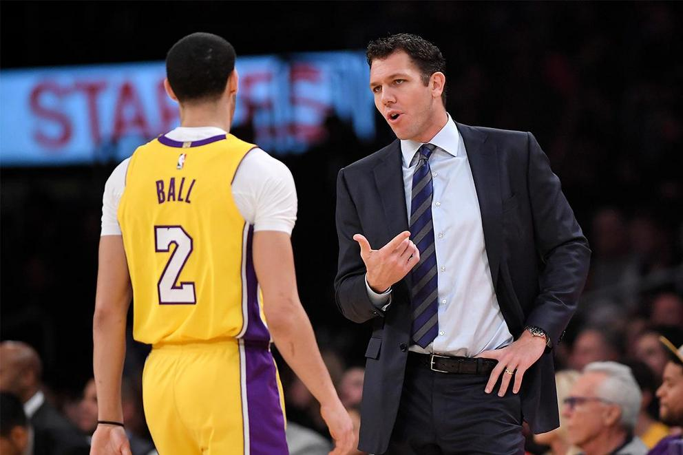 Is Luke Walton losing the Lakers' locker room?