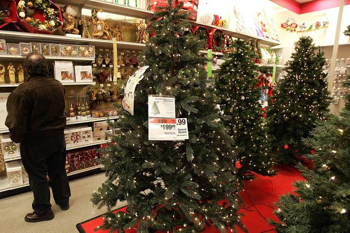 Are artificial Christmas trees better than real ones?
