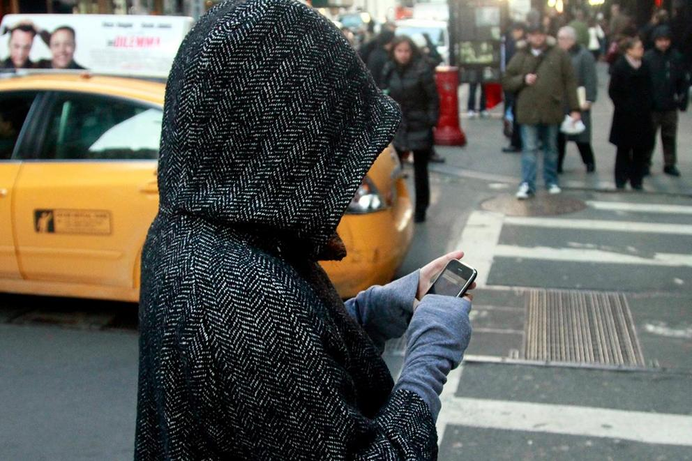 Should texting and walking be illegal?