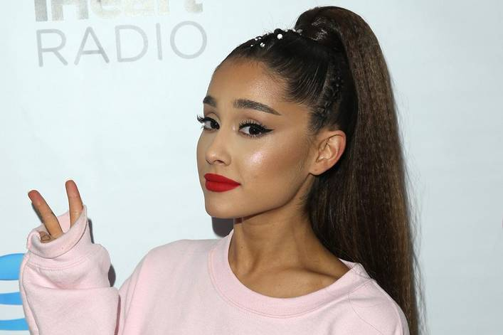 should ariana grande let her hair down