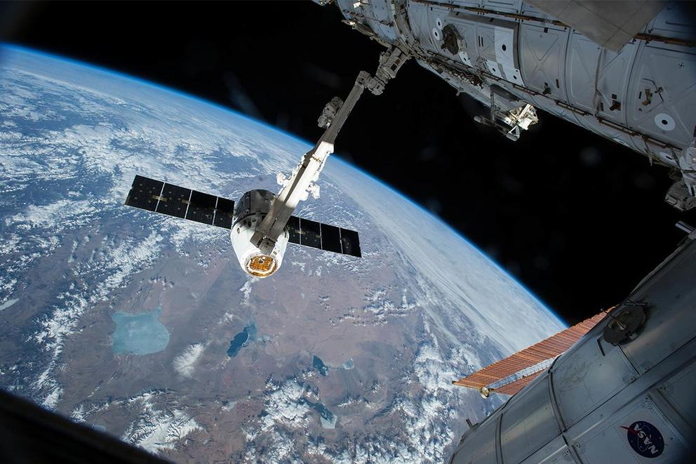 Should the International Space Station be privatized?