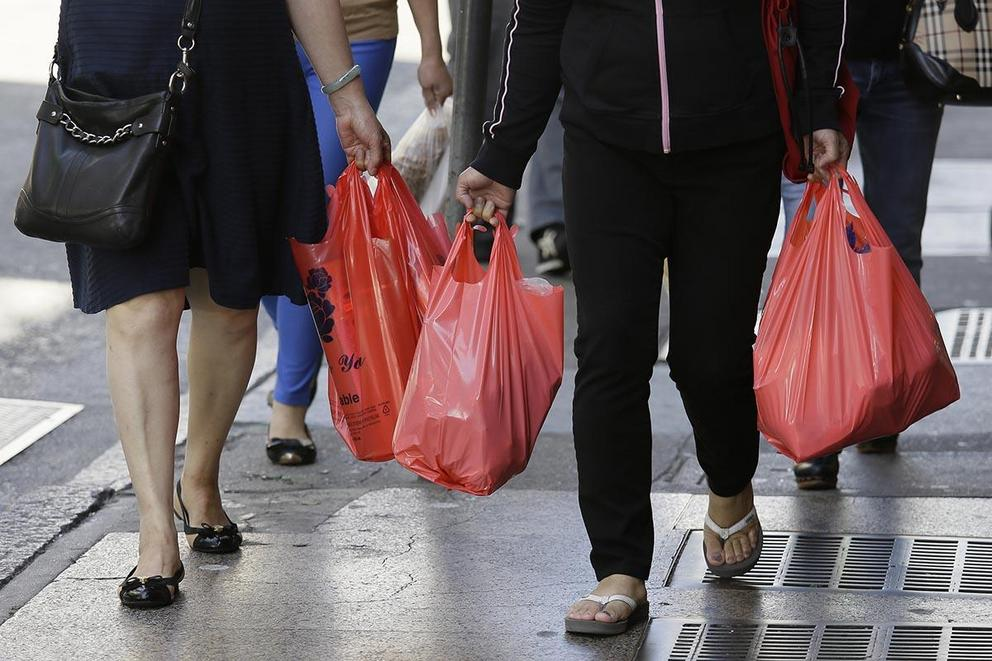 Should we ban plastic bags?