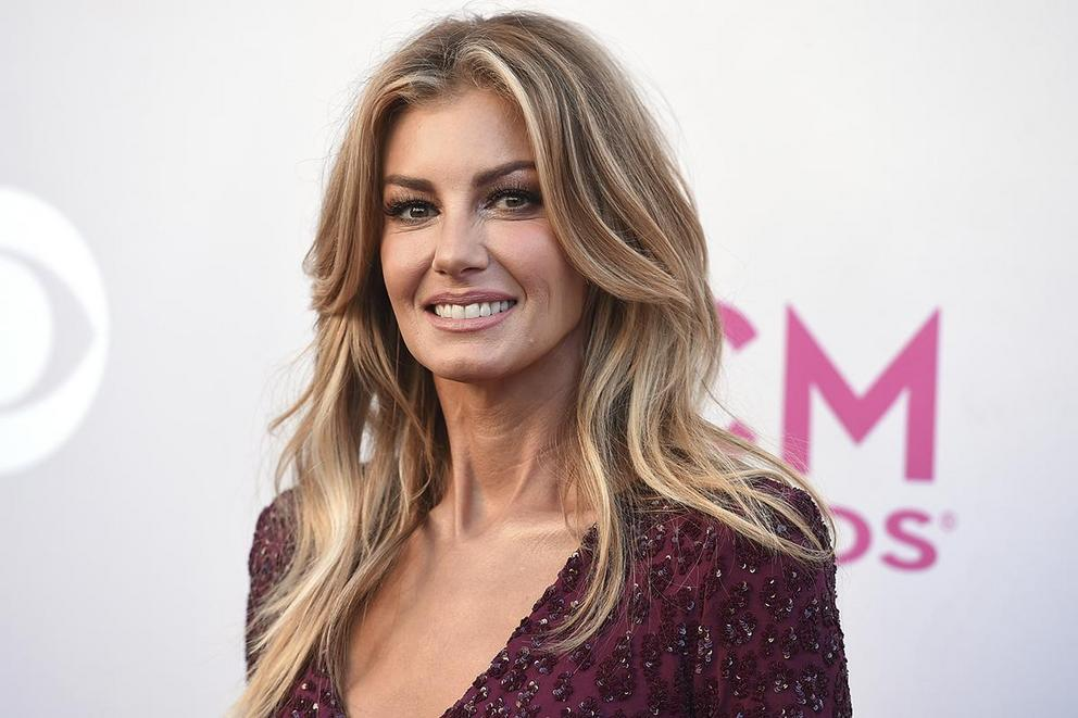 Faith Hill's most iconic song: 'This Kiss' or 'Breathe'?