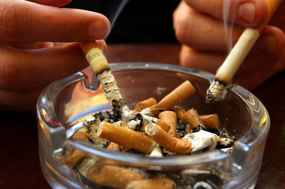 Should cigarettes be banned?