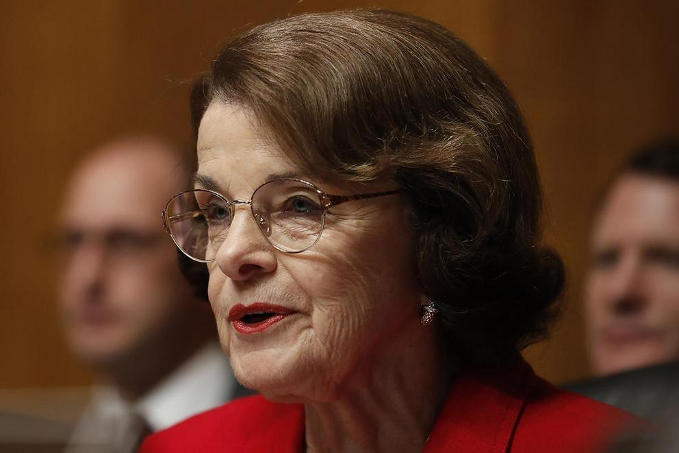 Should Dianne Feinstein retire?