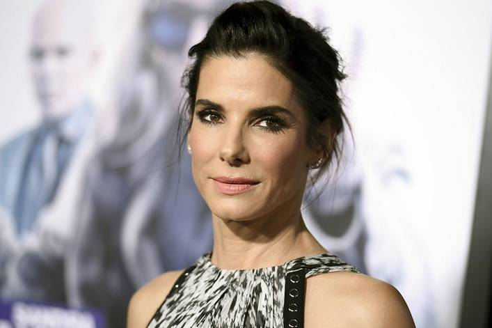Sandra Bullock's best rom com: 'While You Were Sleeping' or 'The Proposal'?