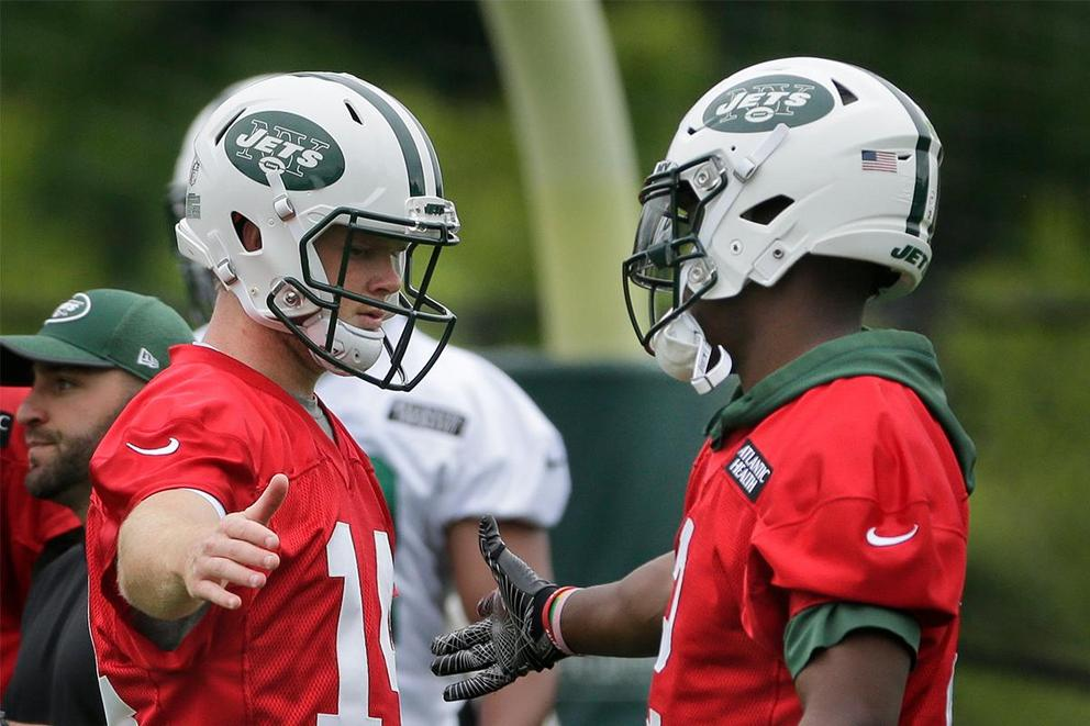 Who should start Week 1 for the Jets: Teddy Bridgewater or Sam Darnold?