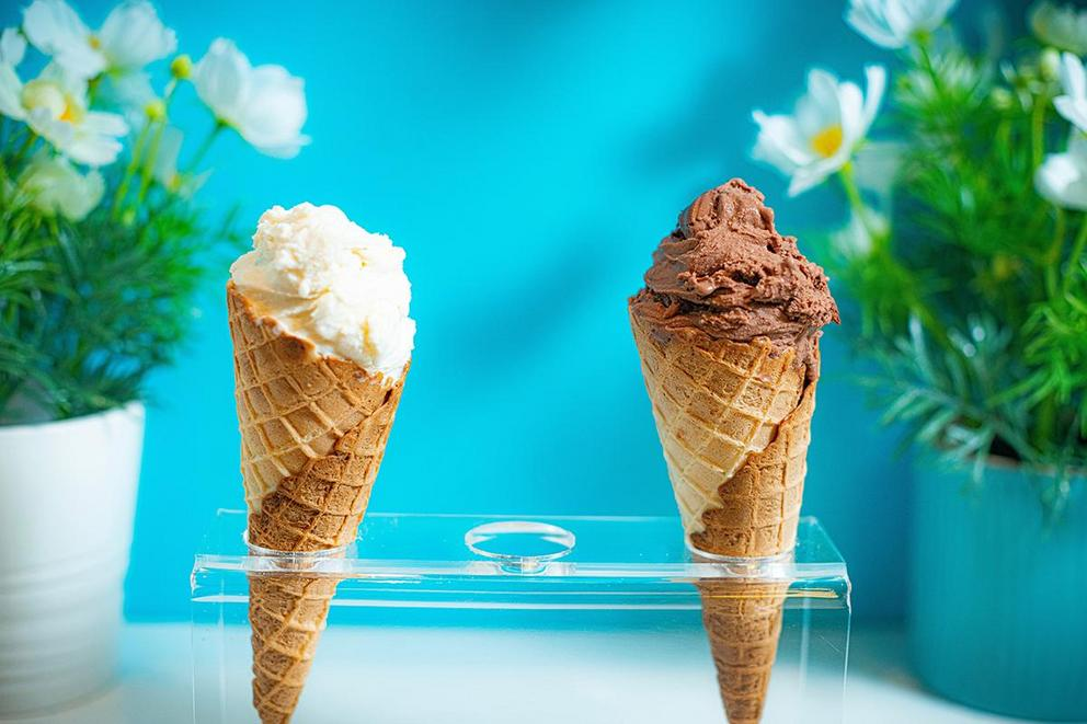Which is more delicious: chocolate or vanilla ice cream?