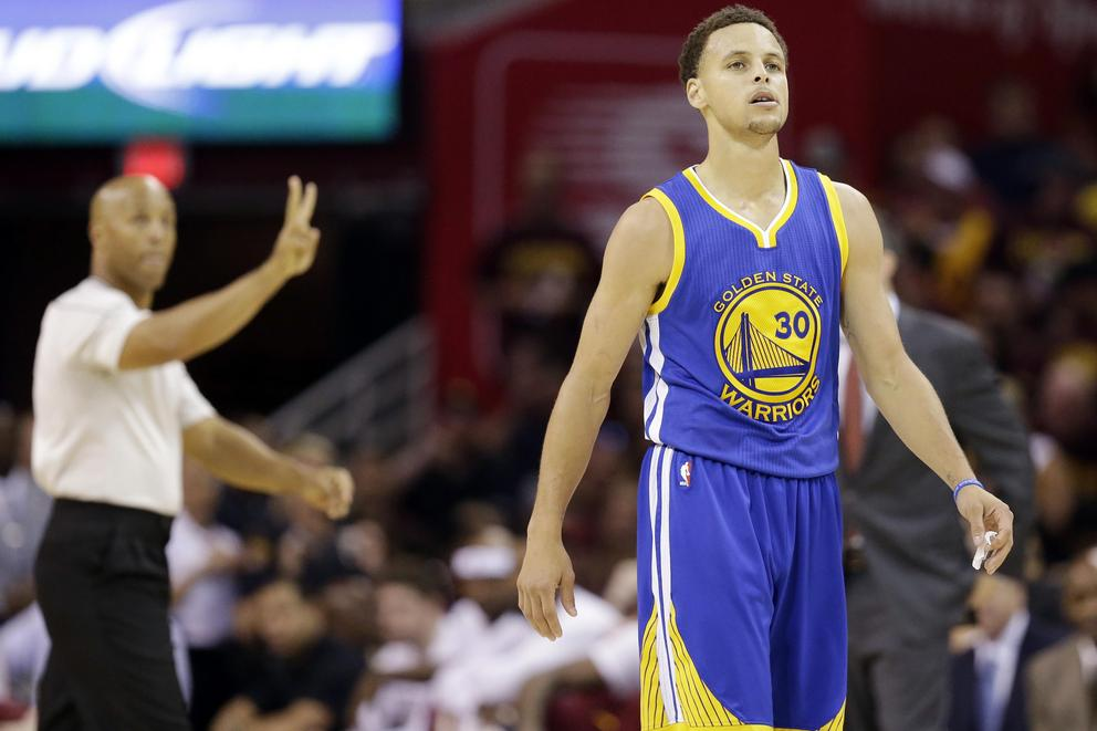 Stephen Curry out for at least two weeks due to injury