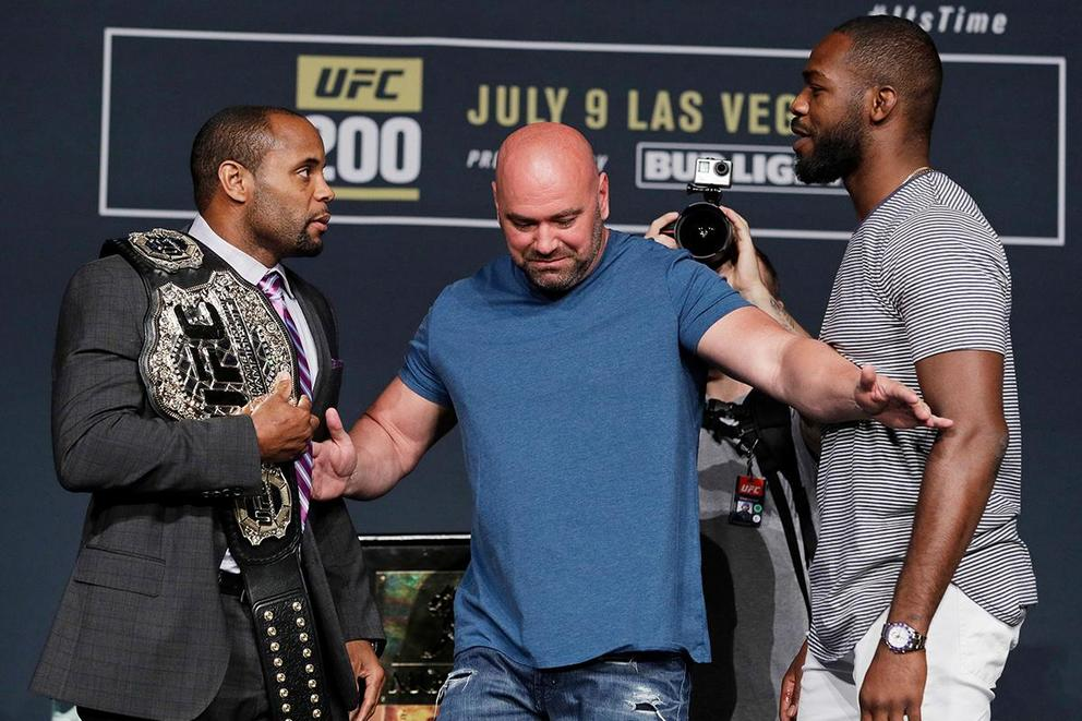 Who wins at UFC 214: Jon Jones or Daniel Cormier?