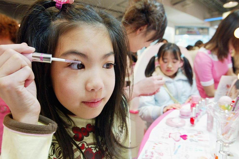 Is it appropriate for kids to wear makeup?