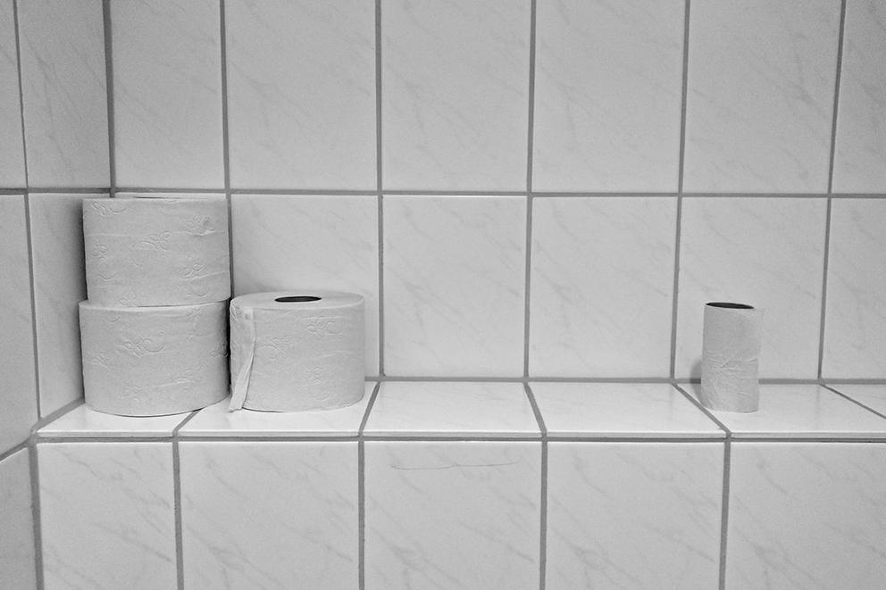 What is the right way to hang up toilet paper: Over or under?