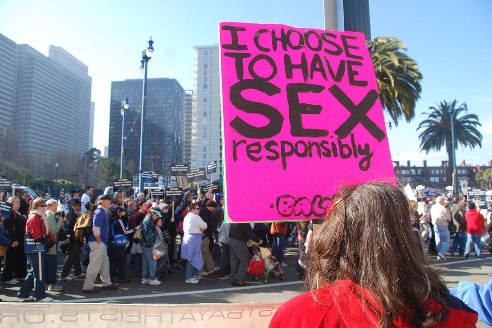 Should abortion clinics have buffer zones?