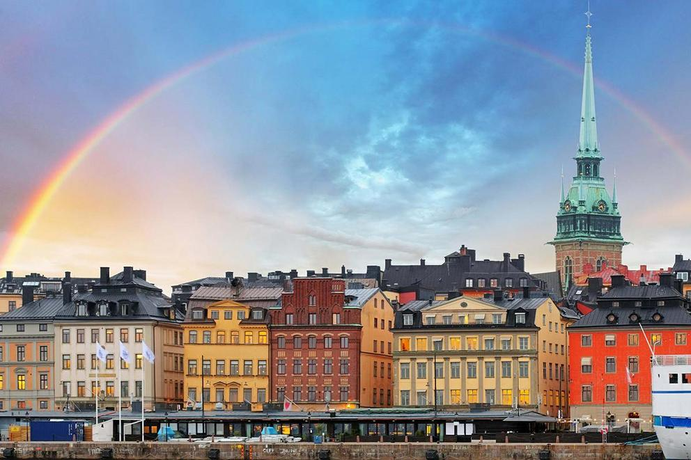 Sweden is moving toward a six-hour workday. Should the US do the same?