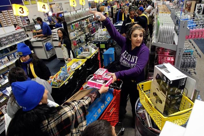 Should stores stay closed on Thanksgiving?