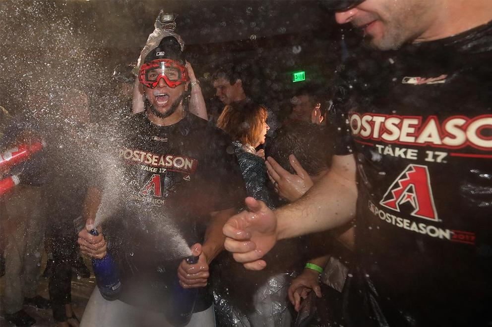 Should the MLB Wild Card playoff be a 3-game series?