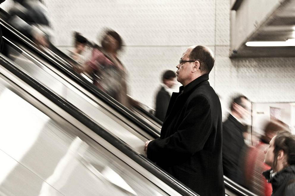 Should you walk or stand on escalators?