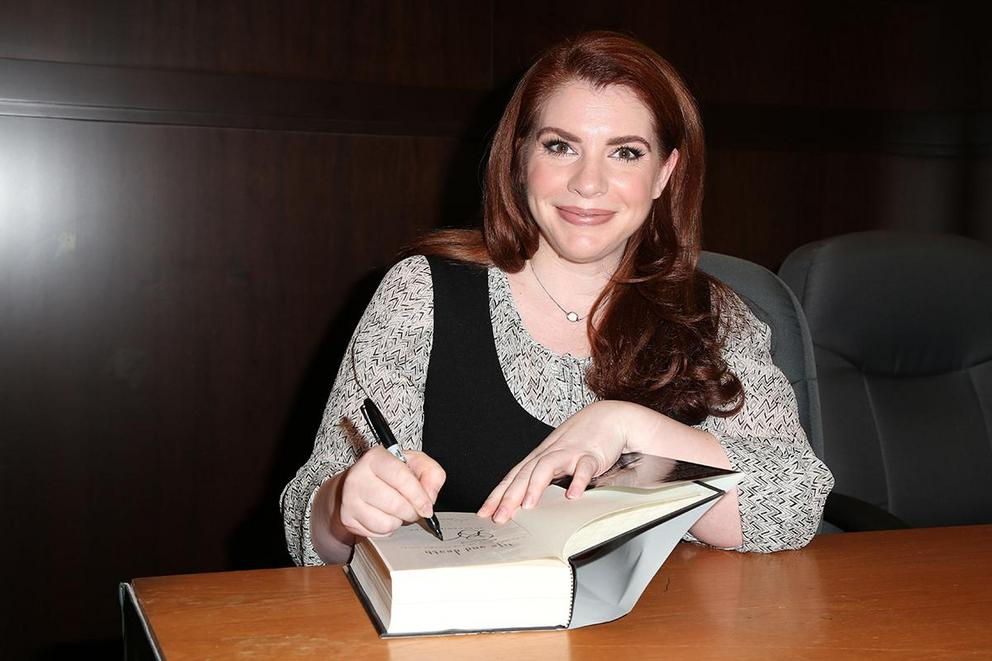 Should Stephenie Meyer stop writing books after 'Twilight' series?