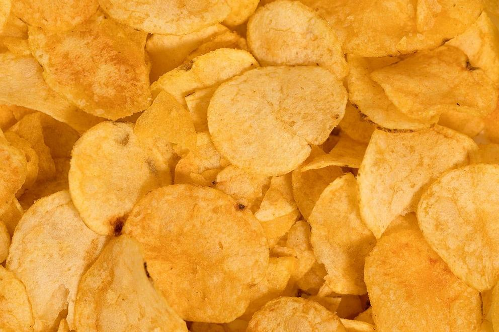 Kettle-cooked vs. regular potato chips: Which is better?